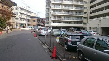 直進したらすぐにDIKマンションの駐車場が見えてきます